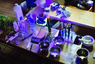 Chlorophyll Extraction part Fluorescence.jpg