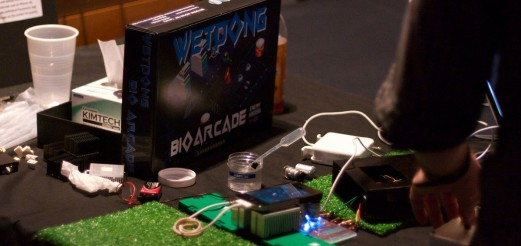 """Playing With Life"" – Article about wetPONG and biotic games"