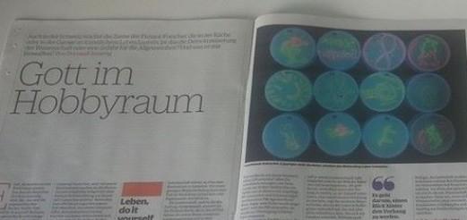 """""""Gott im Hobbyraum"""" – NZZ am Sonntag, 19. Okt 2014"""